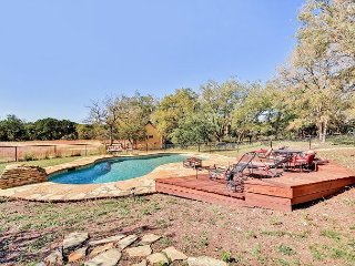 Wide Open Spaces: Country Home w/ Waterfall, Swimming Pool, Guest House