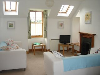 Lodge Cottage, a charming coastal cottage on the edge of the lovely Goose Green