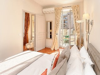 Bijou de Massena - with air con and sunny Balcony - Central Nice