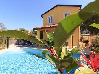 Villa Mugeba III, max 12+4 persons, 2 private pools