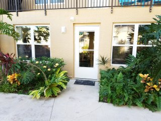 SURFSIDE 1#107 Beach condo Dec Jan avail fees WiFi FREE So Padre TX hot tub pool