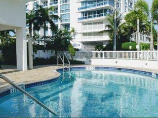 Walk to Beach Seasonal rental ,Ft Lauderdale FL