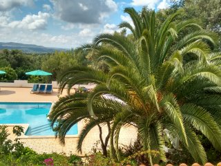 Villa Feliz Two Bedroom Apartment 2A