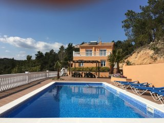Villa Marimuntanya, 18-20 pax, large villa with sea vieuws great pool and terras