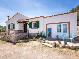 "SA CASETA, house with a big garden and terrace, in S""Horta"