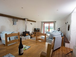 5 * Luxury  Cottages in St Davids  with free wi-fi