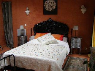 Granada Room at Les Balcons de la Seugne