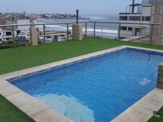 7 Dormitorios, Amplia Casa frente al Mar con Piscina Amoblada