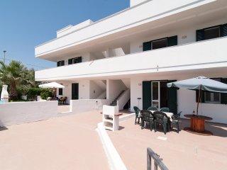 Marini White Sand House