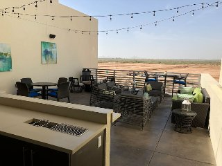 North Scottsdale Luxury 2BR/2BA Great amenities