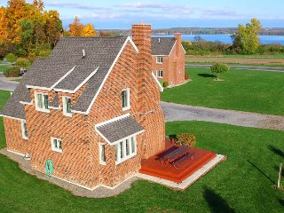 Owasco Cottage by Seneca Lake
