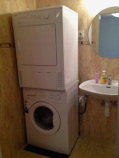 Landing Level: Bathroom with washer