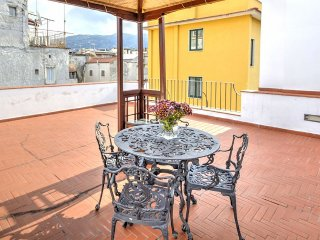 Sorrento Apartment Sleeps 4 with Air Con and WiFi - 5228614