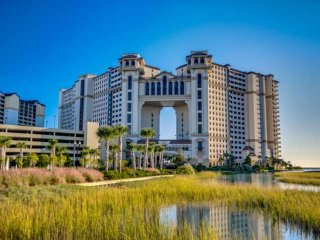 2.5 Acre Pool Complex,Fitness/Spa, Oceanfront N Beach Towers 2BR 2BA Condo.Sleep