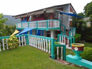 Mi Casa Su Casa in El Salvador!