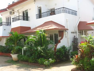 32) Beach touching 3bhk stunning Villa, Candolim