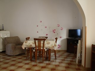 House with 2 bedrooms in Calasetta, with enclosed garden - 500 m from the beach