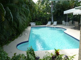 4 Bedroom, 2 Bath Home in Paradise, with Private Pool, ONE MILE TO BEACH!