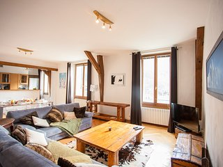 Vieux Palais - Central Chamonix Spacious 2 Bedroom Apartment
