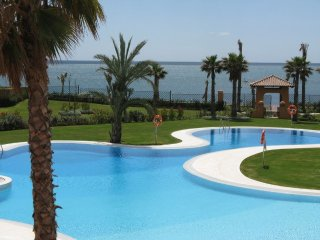 LOS GRANADOS  DEL MAR LUXURY 2 BED 2 BATHROOM SEA VIEWS  ADVISOR APPROVED