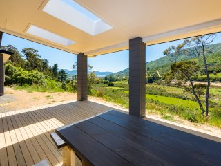 Bell Bird Ridge Holiday Home - Ocean & Valley Views