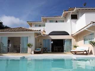BZ011- Buzios Modern-style Villa