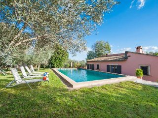 Finca 8 pax in Alaro. Mountain View. WIFI. Private pool. Table tennis. Air condi