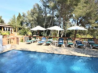 Mallorquin Finca for 10-12 People ,5 bedroom) in Algaida - MALLORCA. Children we
