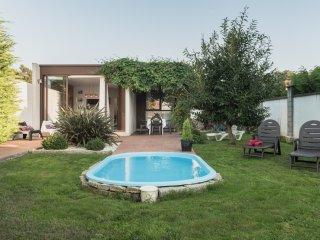 Casa Vina Vella en  Galicia, con jardin,piscina
