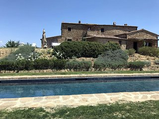 Luxury villa Pienza, salt water heated swimming pool, airconditioning, yoga room