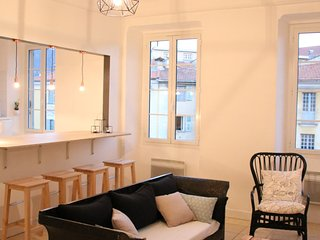 3 bedrooms Apartment Old Town, 100m2