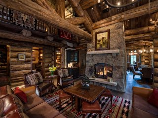 Highcliffe Lodge Vail, Fabulous Log Private Home,Cinema,Hottub,Firepit,Luxury!