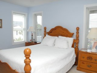 Sandbar B&B-Lighthouse Room