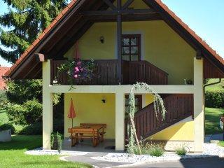 Ferienwohnung Steirerhaus mit Balkon am Seggauberg