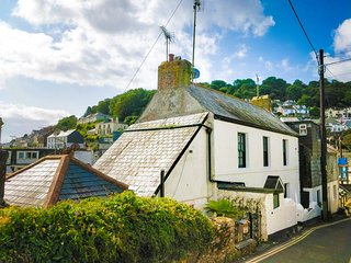 Jessamine - a fully restored former fisherman's cottage close to the harbour