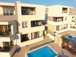 Apartments Novalja  4+2 with pool