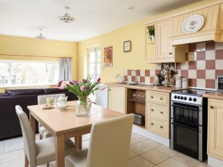 48483 Cottage in Robertsbridge