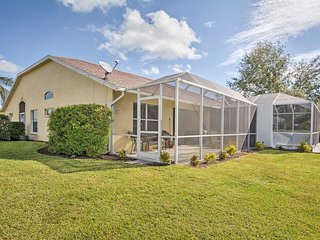 Naples Villa w/ Lanai & Pond View - 5 Mi to Beach!