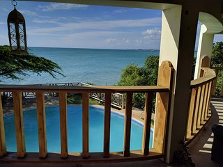 Labelle beachfront villa - mountain view and the ocean at the palm of your hands