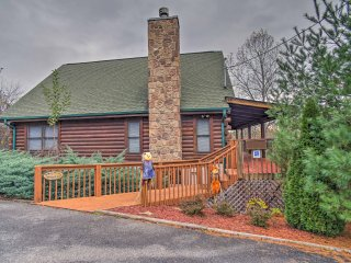 Sevierville Cabin w/Views & Hot Tub Near Dollywood