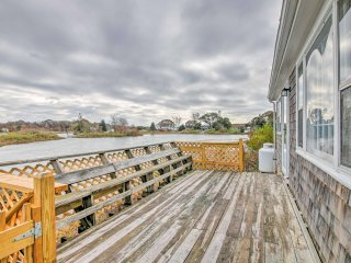 New! 2BR Cottage w/ Private Dock & Outdoor Shower!