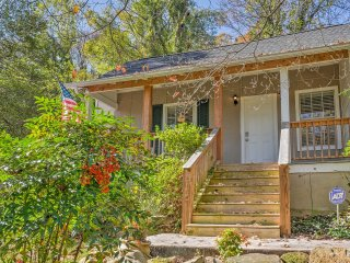 Historic St. Elmo Home - Near Hiking & Downtown!