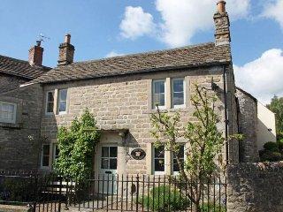 PK939 Cottage in Calver