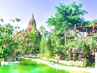 Bagan Step 4 people very private villa  temple  riverbank organic huge pool