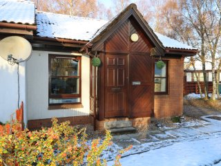 FOINAVEN all ground floor, Cairngorms National Park, WIFI, Ref 967487
