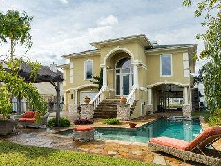 Casa Pura Vida: Water-View 3BR w/ Poolside Cabana, Hot Tub & Boat Dock