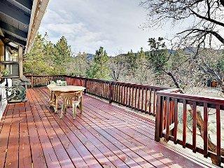 4BR w/ Sauna, Deck & Yard —Views of Bear Mountain, Near Golf