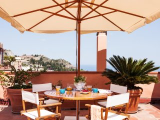 San Domenico Apartment, in Taormina downtown with panoramic terrace