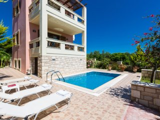 Villa Flabelina only 2 km from a sandy beach