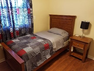 Cozy Room Near Baltimore & BWI Airport - LOTS OF EXTRAS